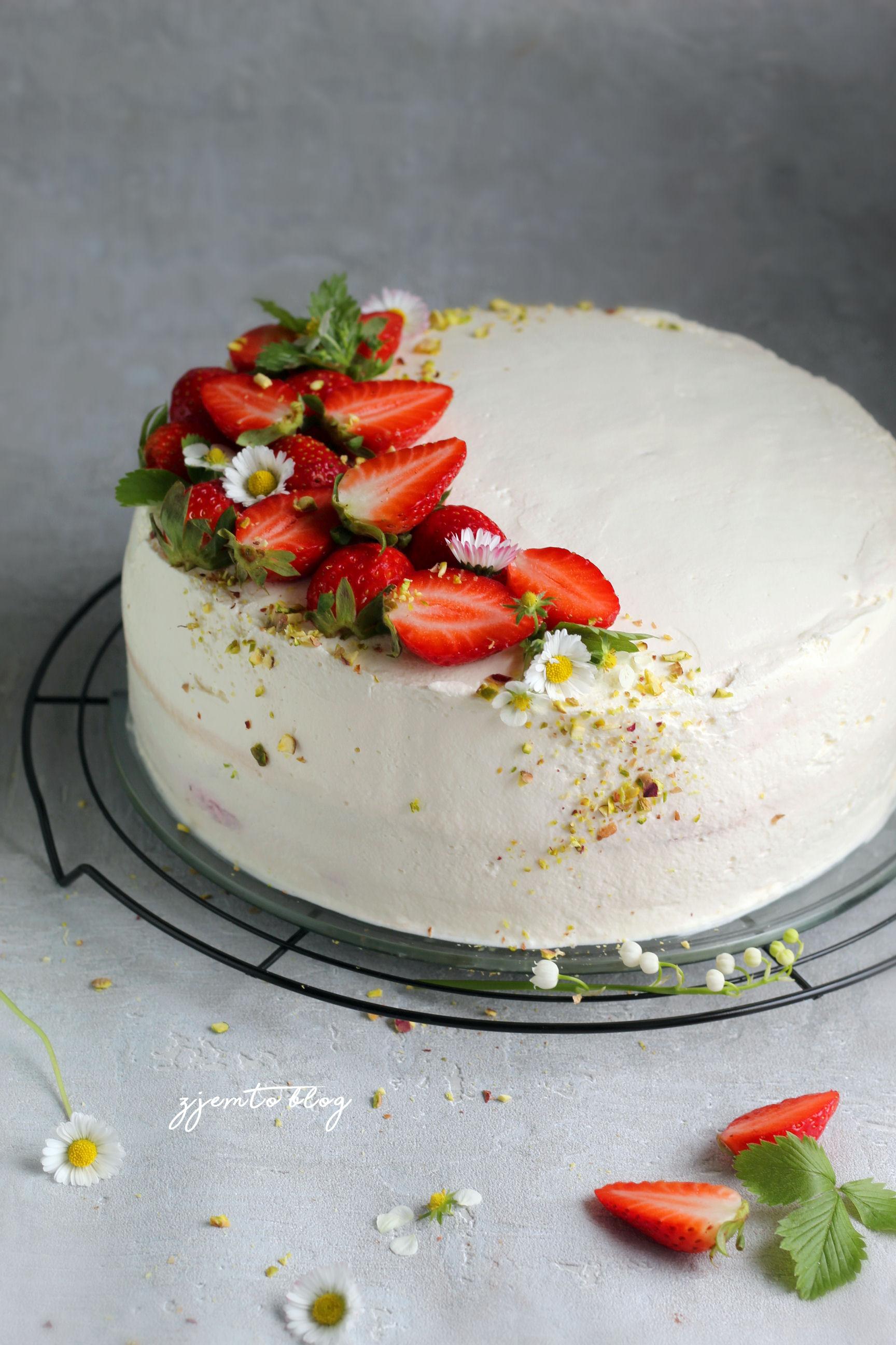 tort z truskawkami 2