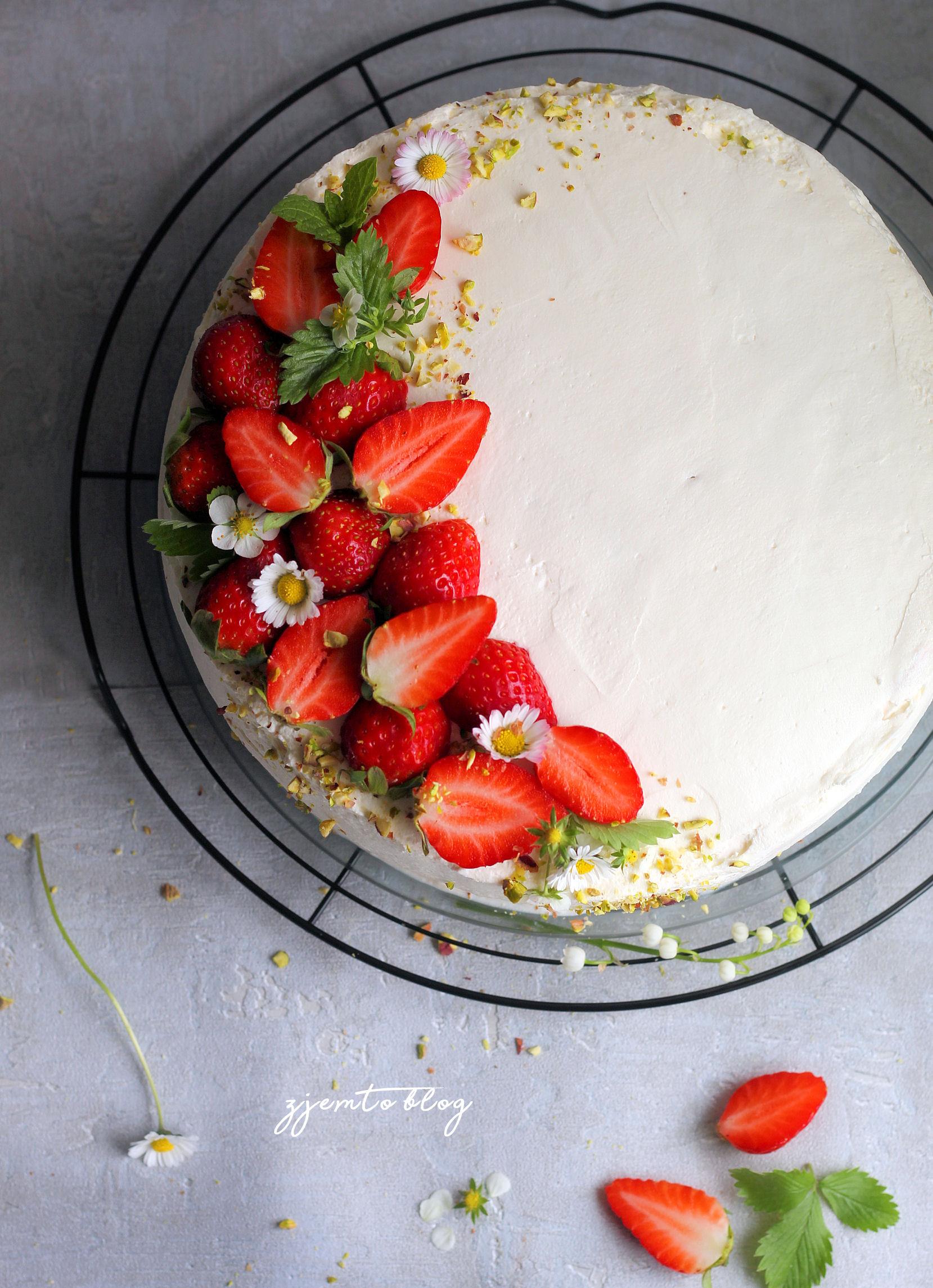 tort z truskawkami 4